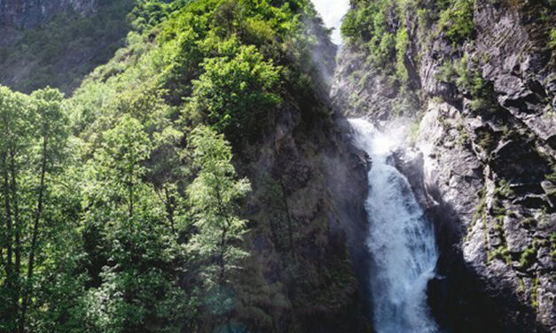 TOP 5 des plus belles cascades autour des 2 Alpes !