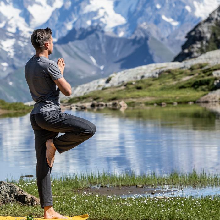 Yoga 2 ©John Beague