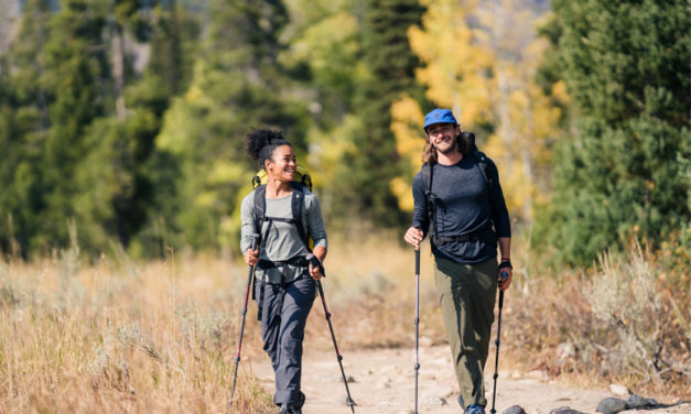 Choisir ses bâtons de randonnée : 3 critères essentiels