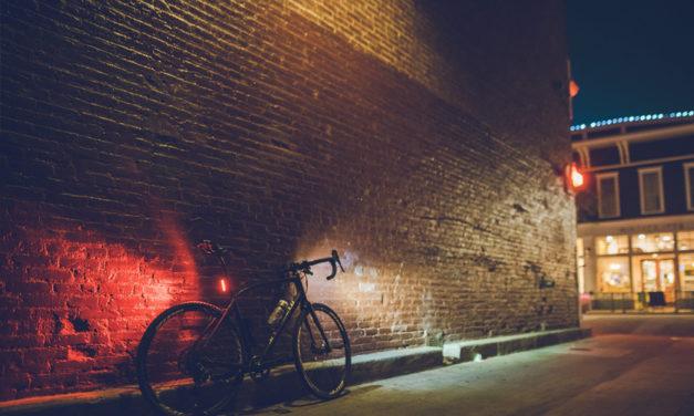 Éclairage à vélo : comment bien s'équiper pour circuler la nuit ?